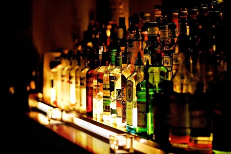 bottles-bar-alcohol-_569213-23e