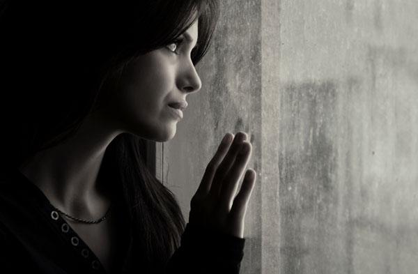 depressed_woman_600x393