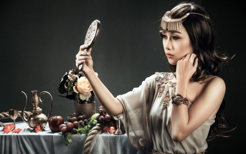princess-looking-in-the-mirror-girl-hd-wallpaper-1920x1200-33888
