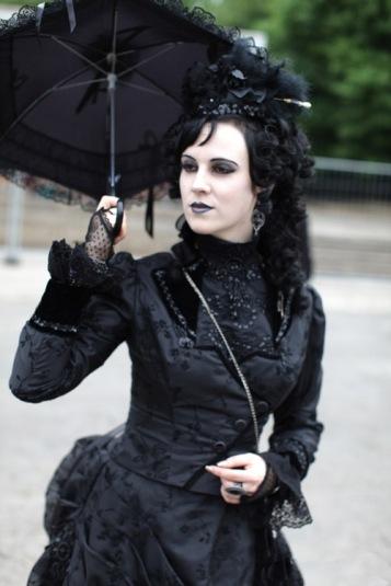 gothic-wedding-parasol