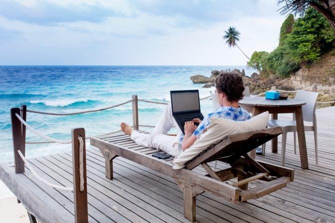 DIGITAL NOMADS: THE INSPIRING BEAUTY OF LIVING AND WORKING ANYWHERE YOU WANT